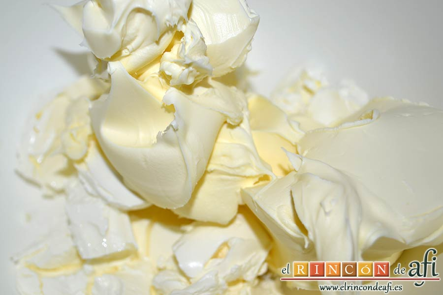 Chocotarta, añadir el queso mascarpone