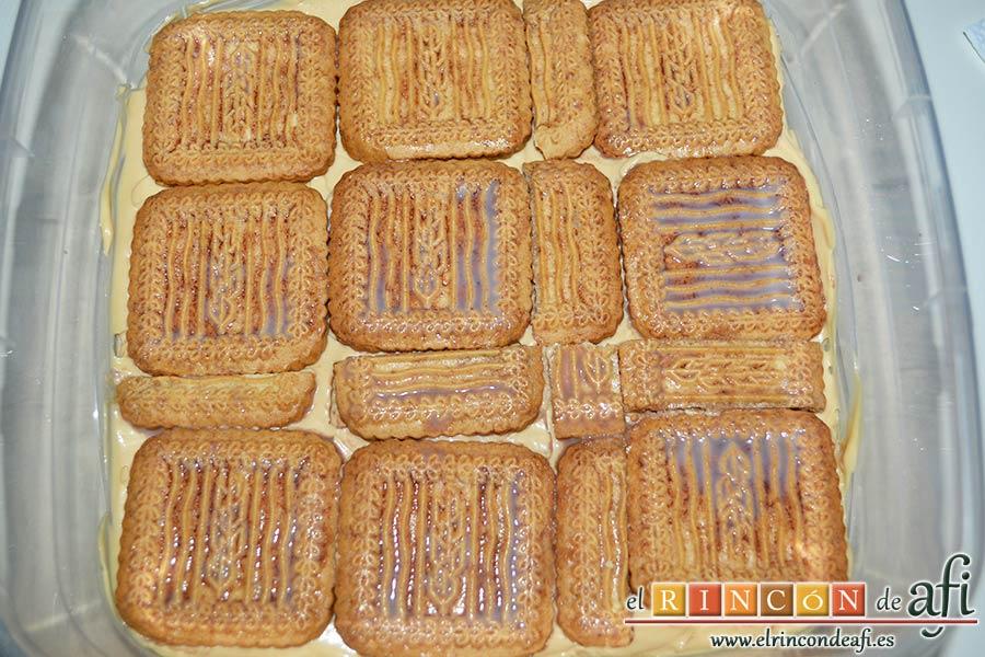 Chocotarta, superponer capas de galletas con capas de crema