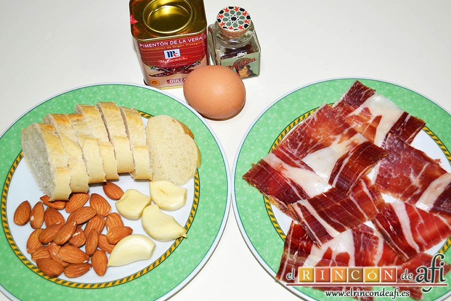 Sopa de pan con majada de almendras, preparar los ingredientes