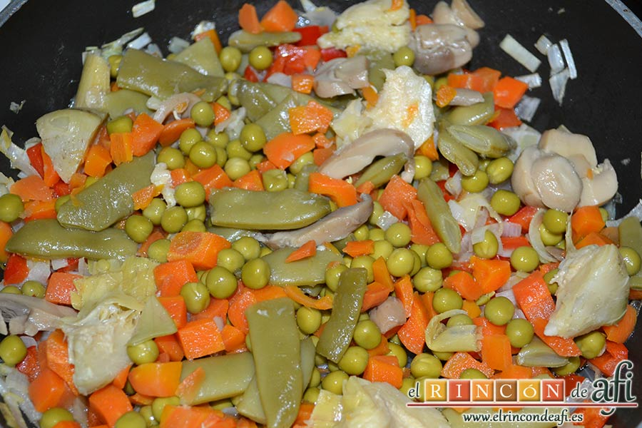 Plumcake de verduras, añadir el resto de verduras