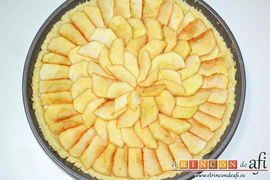 Tarta de manzana clásica, las manzanas se van oxidando poco a poco