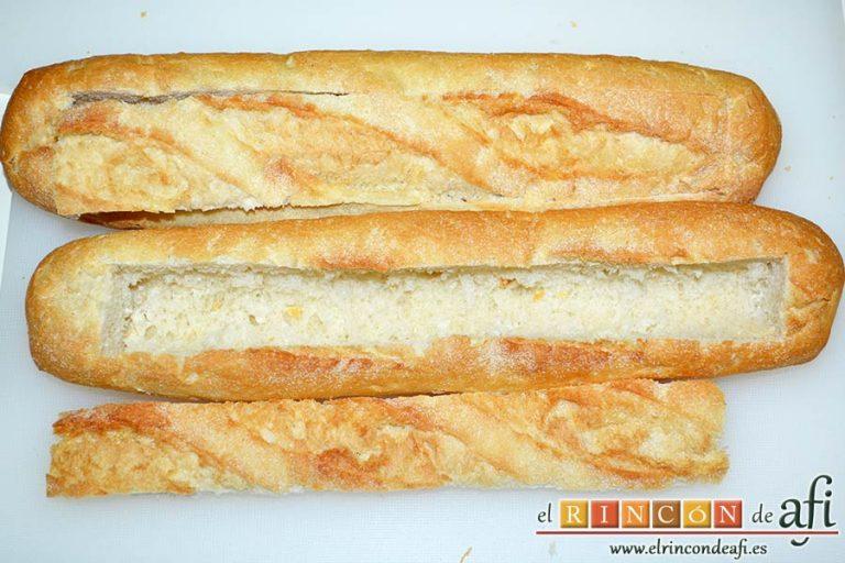 Baguette horneada con bacon, huevos y queso, no tires los trozos sobrantes de pan