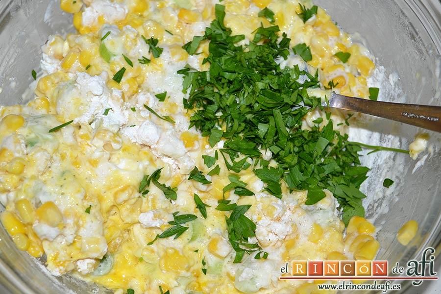 Tortitas de maíz, añadir el cilantro picado