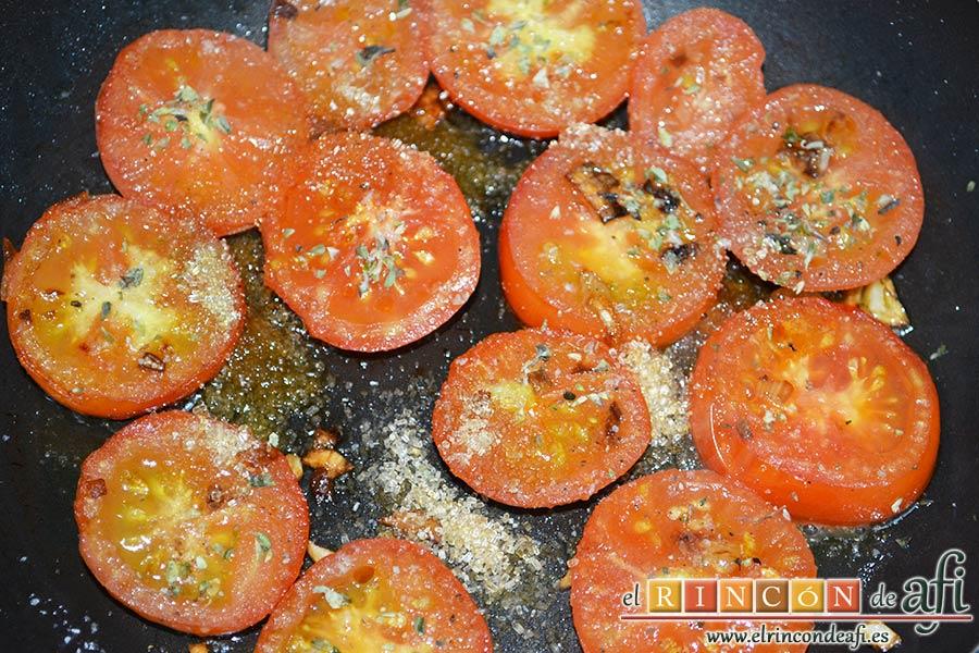 Flatbread de espárragos verdes, tomate, miel y mozzarella, añadir el orégano seco