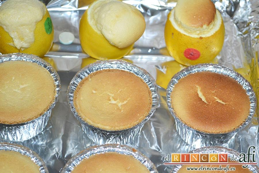 Pastelitos de limón, hornear vigilando que no se queme la superficie y dejar enfriar
