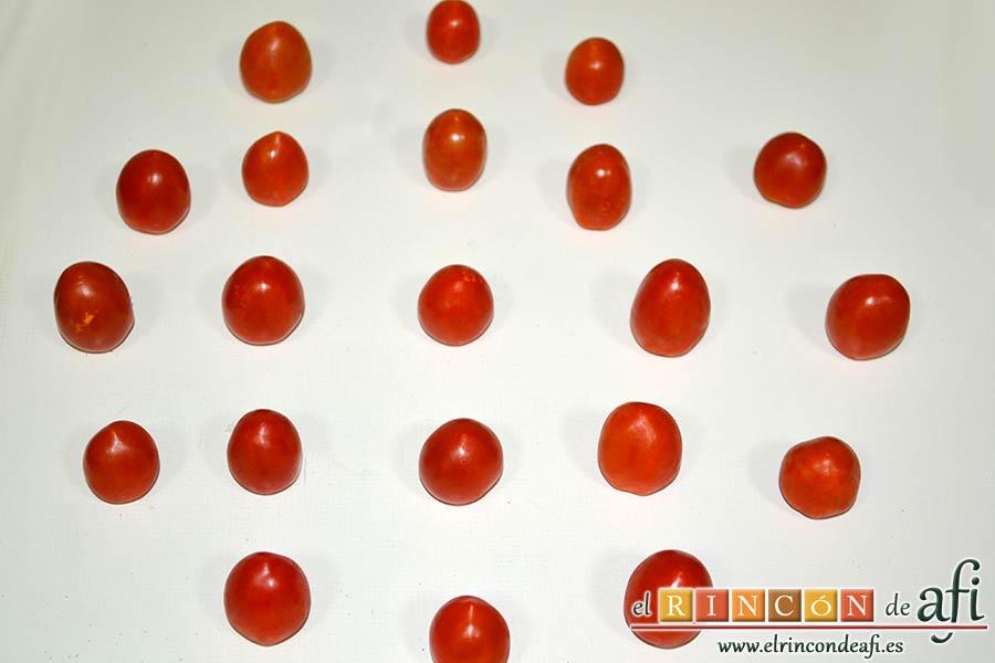 Quiche con queso de cabra y tomates cherry, lavar y secar bien los tomates cherry