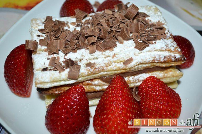 Milhojas de hojaldre con chocolate, sugerencia de presentación