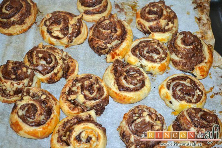 Caracolas de Nutella y nueces, hornear unos 15-20 minutos hasta que estén doradas
