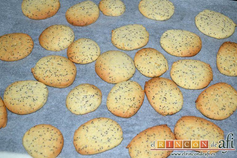 Galletas de limón con semillas de amapola, hornear