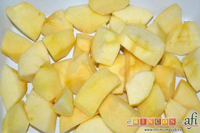 Confit de pato con compota de manzana y bocaditos de papas, pelar, descorazonar y trocear las manzanas
