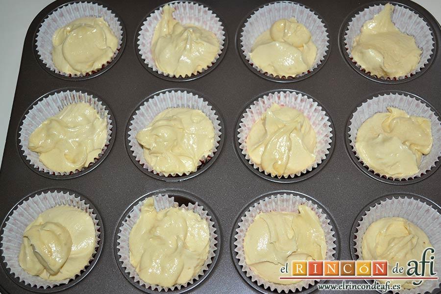 Cupcakes de cerezas al Kirsch, llenar las cápsulas a dos tercios de su capacidad como máximo