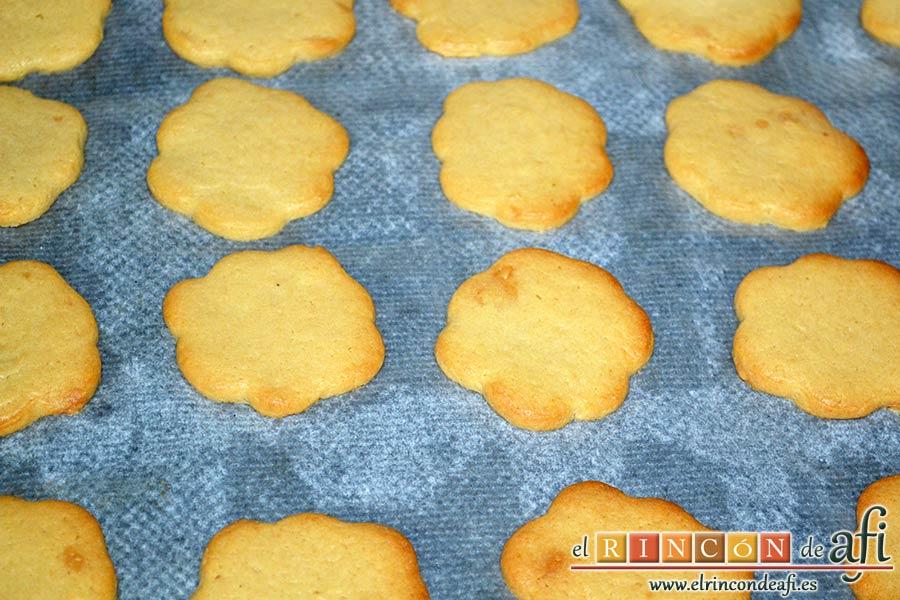 Galletas de turrón, dorar hasta que doren los bordes de las galletas