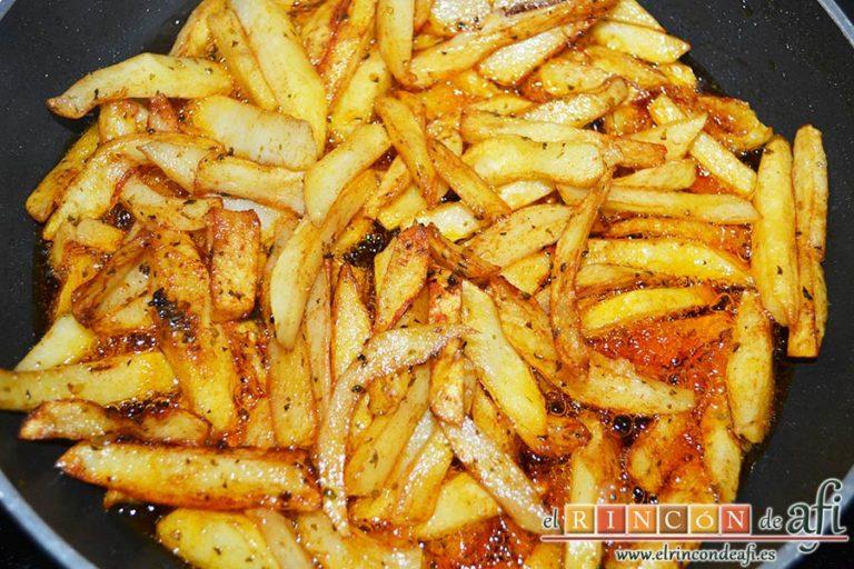 Chuletas de Sajonia con salsa de perejil, freír hasta que queden doradas y crujientes