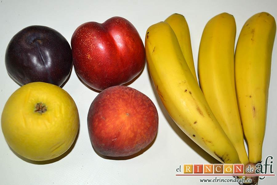 Hojaldre con crema pastelera y fruta variada, preparar la fruta fresca