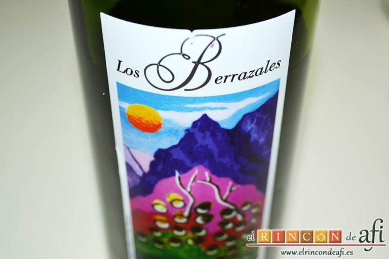 Tallarines alla boscaiola, preparar un vasito de vino blanco oloroso