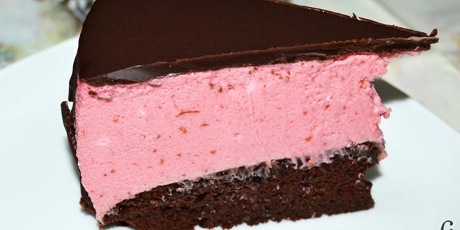 Tarta de chocolate negro y mousse de frambuesa