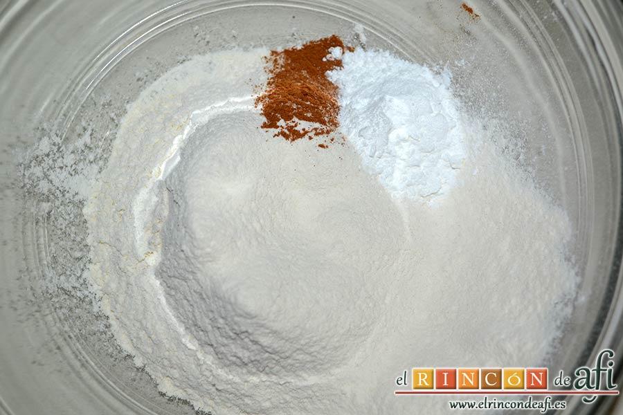 Carquinyolis, en otro bol ponemos harina de repostería, levadura en polvo, canela en polvo y sal, todos tamizados
