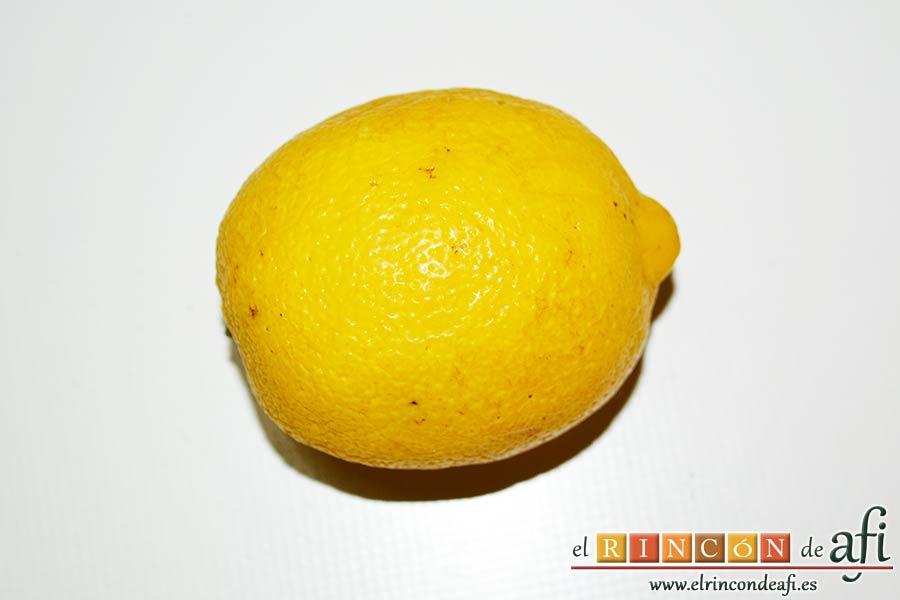 Espaguetis al limón, sacar la ralladura de un limón