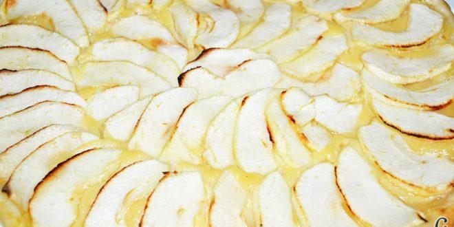 Hojaldre con crema pastelera y manzana