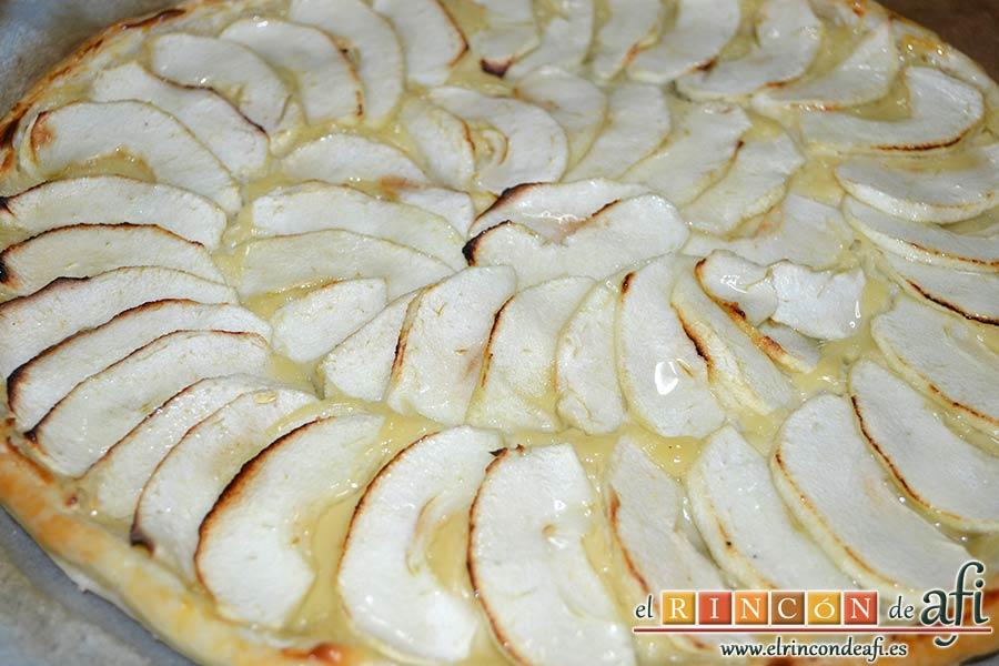 Hojaldre con crema pastelera y manzana, además de brillo aportará sabor