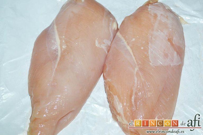 Spätzli con cebollas, setas de cardo y pechugas de pollo, preparar las pechugas de pollo