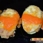 Bocados de calabacín, jamón y queso con salsa casera de pimiento