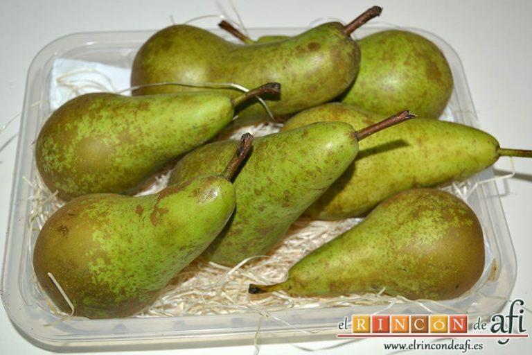 Dados de pera a la canela con su almíbar, preparar las peras