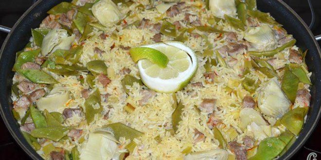 Arroz con secreto ibérico, alcachofas y ajos tiernos