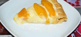 Hojaldre crujiente con crema pastelera y rodajas de manga fresca