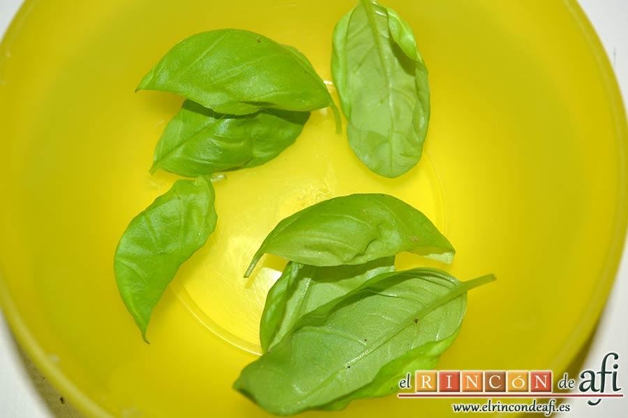 Tortelloni con crema de queso azul y albahaca, coger las hojas de albahaca