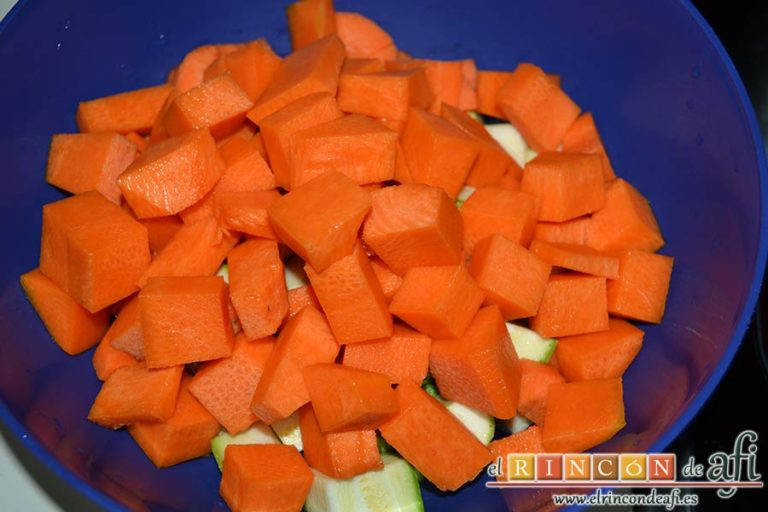 Potaje de jaramagos, pelar y trocear la calabaza y la zanahoria, cortar en cuartos los calabacines