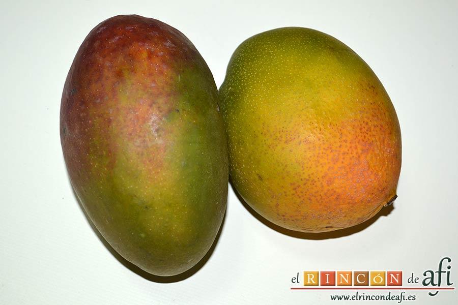 Tarta de mousse de mango con gelée, preparar los mangos