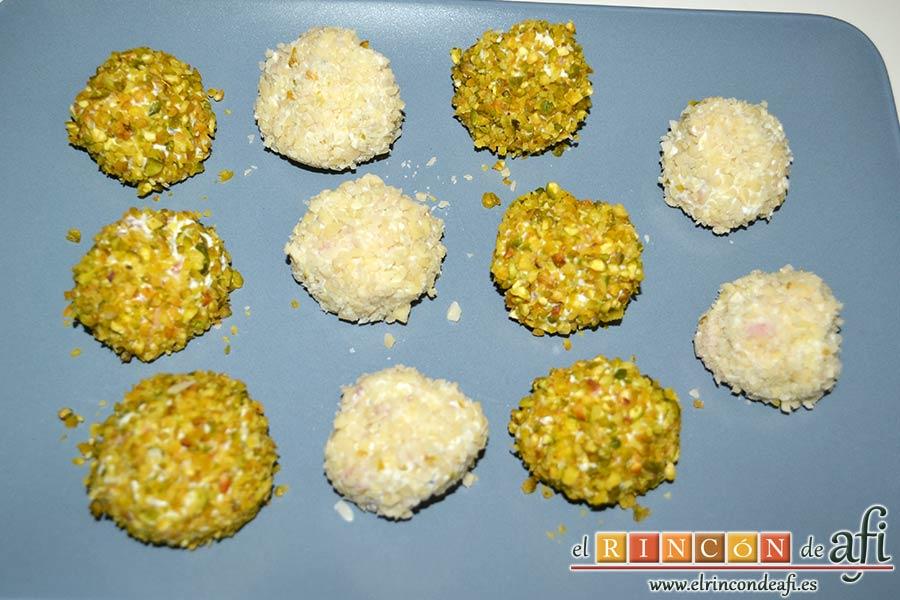 Bombones de salmón y queso, refrigerar antes de servirlas