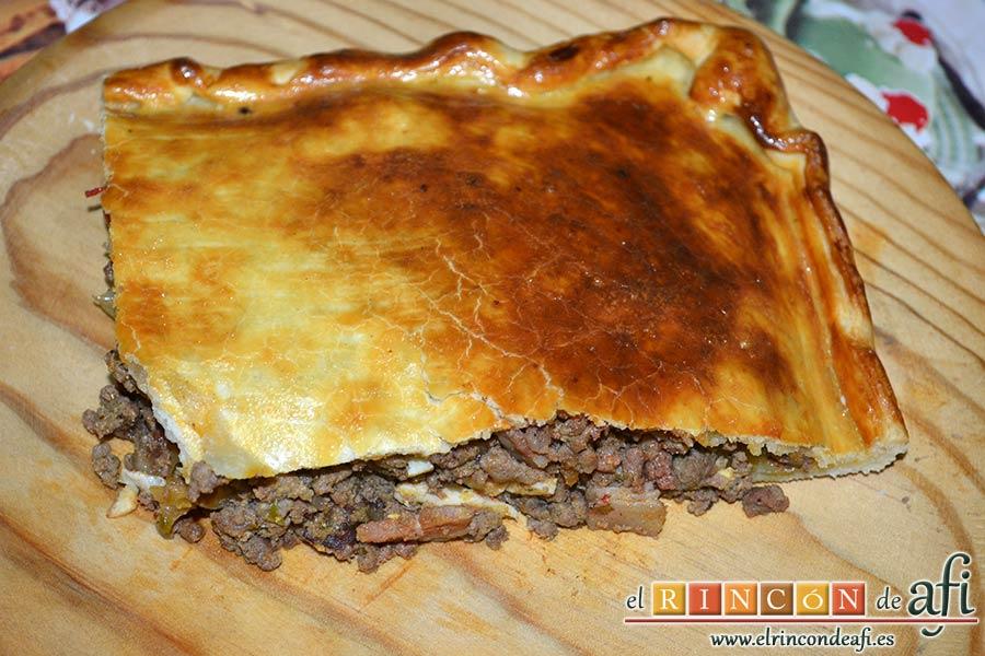 Empanada de carne, bacon y dátiles, sugerencia de presentación
