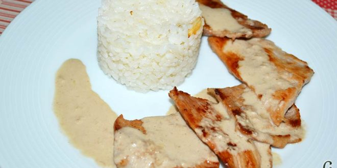 Secreto con salsa de foie