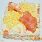 Ensaladilla de langostinos y salmón