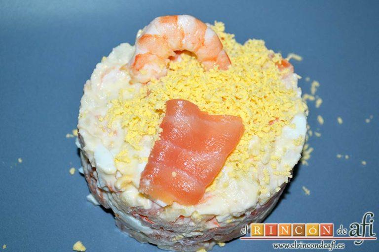 Ensaladilla de langostinos y salmón, sugerencia de presentación