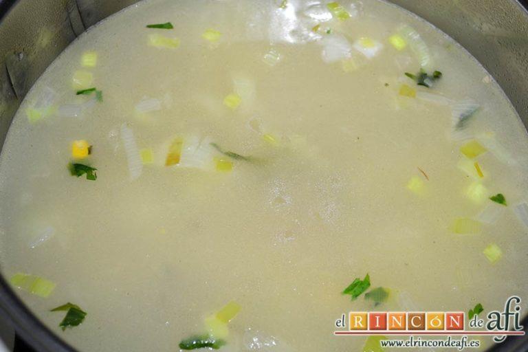 Crema de maíz y puerros, añadir agua hasta cubrir