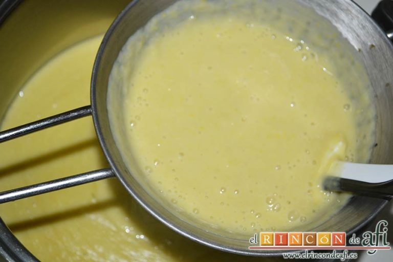 Crema de maíz y puerros, pasarla por el chino