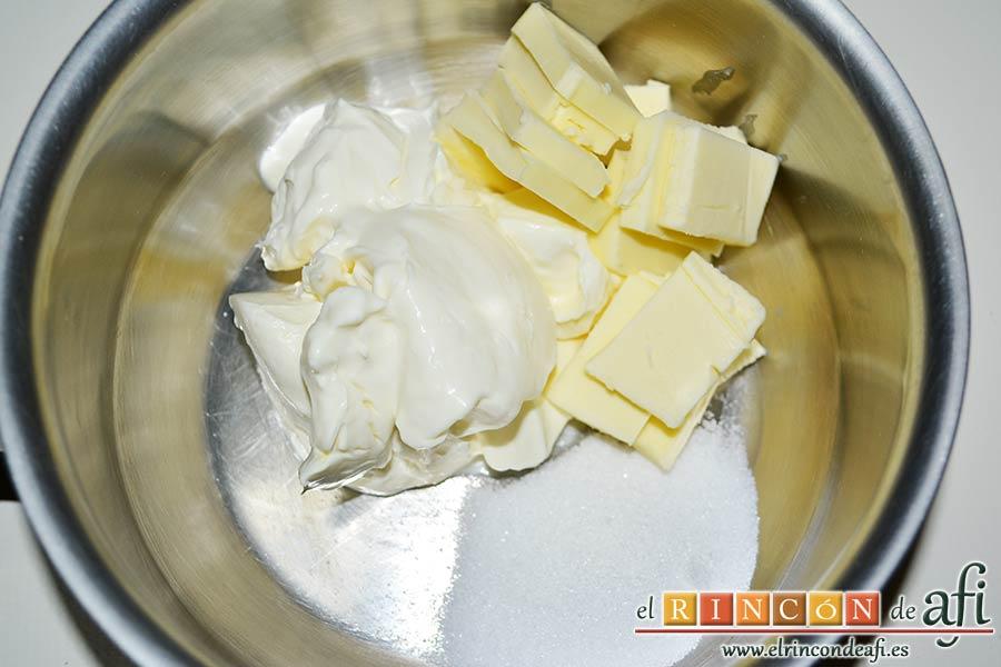 Trufas de chocolate con cobertura de chocolate, ponemos en un cazo la mantequilla, el azúcar y la nata