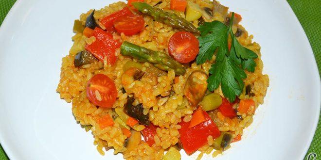 Arroz con verduras apto para vegetarianos