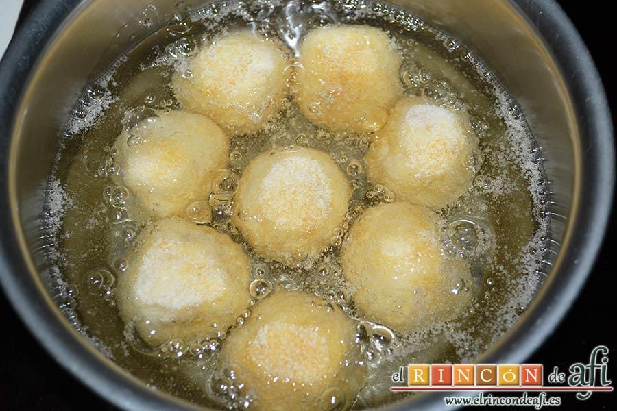 Croquetas de bonito, freírlas en aceite de girasol