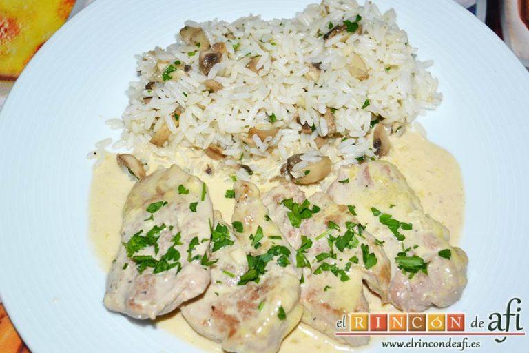 Solomillo de cerdo con salsa de paté, sugerencia de presentación