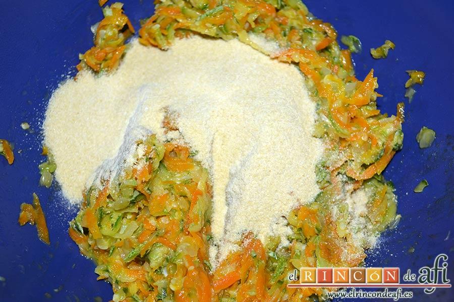 Albóndigas de verduras, añadir el pan rallado