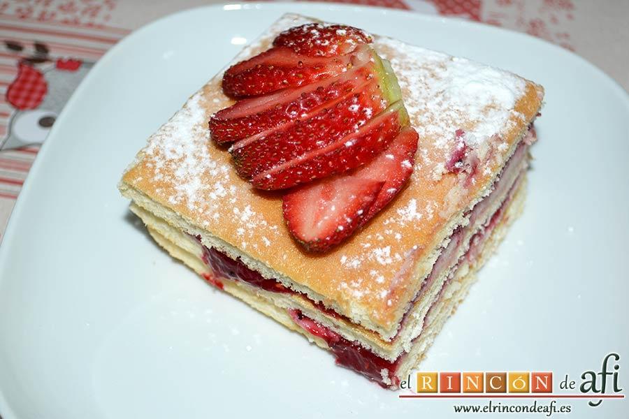 Tarta de queso mascarpone con mermelada de fresas casera