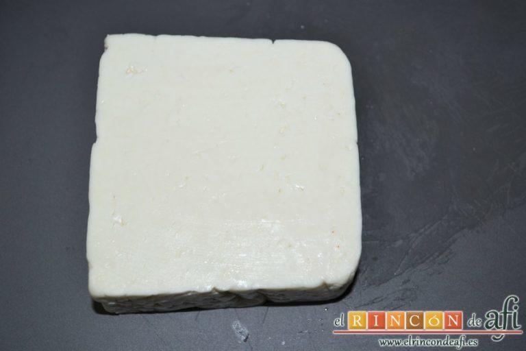 Brochetas de sandía, queso y pepino, preparar el queso tierno