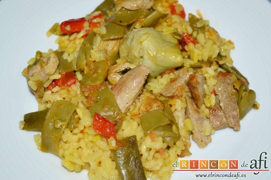 Arroz con secreto ibérico y verduras al horno, sugerencia de presentación