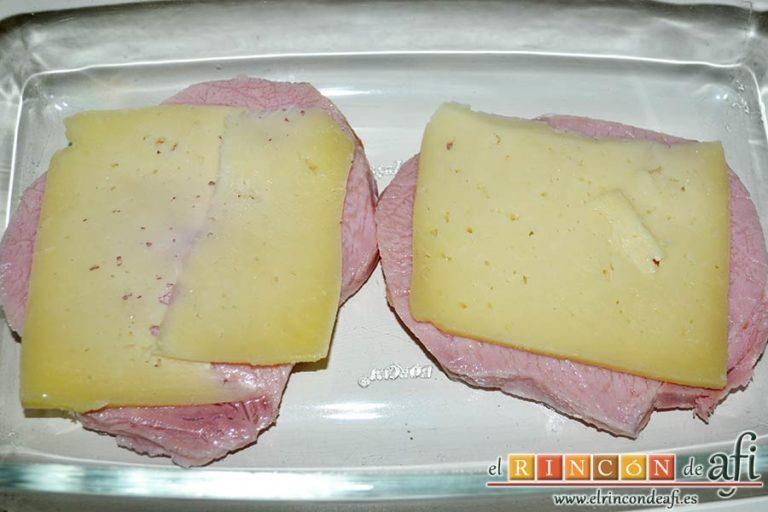 Chuletas de Sajonia al horno, poner encima una loncha de queso