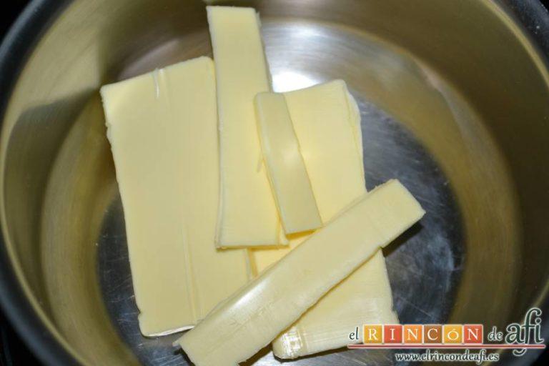 Madeleines, poner la mantequilla al fuego en un cazo