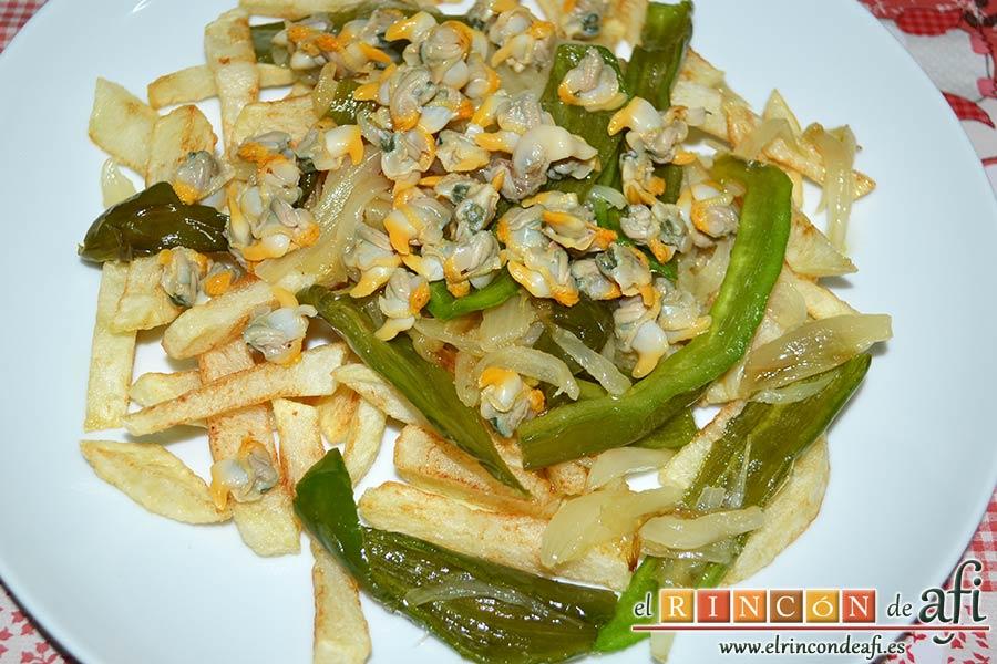 Papas fritas con berberechos de Agaete, sugerencia de presentación